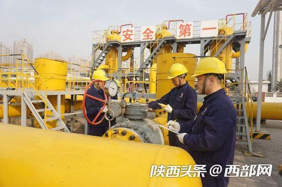 秦华制定5级响应应急措施,确保今冬高峰时期平稳供气。
