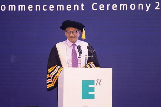 西安欧亚学院胡建波教授2020年毕业致辞