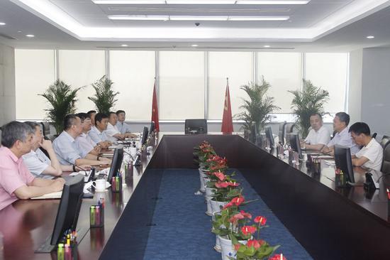 西安高新区与浙江省政协科技教育委员会考察团举行座谈会