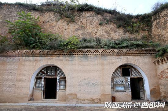 王不芳原始古朴的手工榨油坊。