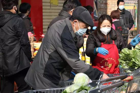 """规范出店经营 灞桥""""七个一""""监管模式让市民采购更方便"""