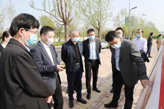 西北妇女儿童医院党委书记郑宏志一行来能源金贸区考察调研
