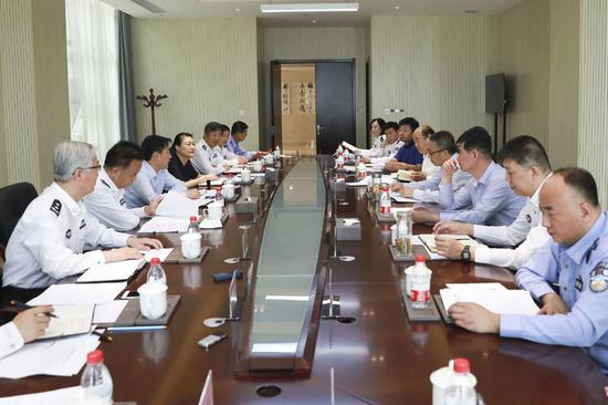 省人大代表、省政协委员到陕西警官职业学院进行调研