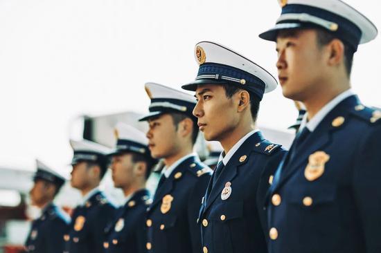 """与""""蓝朋友""""一起奔跑,陕西消防线上马拉松开始报名"""