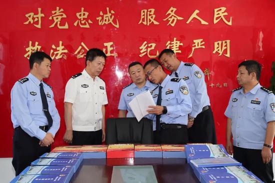 赵军政赴甘泉调研扫黑除恶专项斗争长效机制建设工作