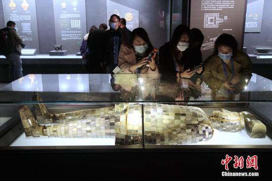 汉中山王陵及王室墓文物特展开幕 参展文物共90件(组)