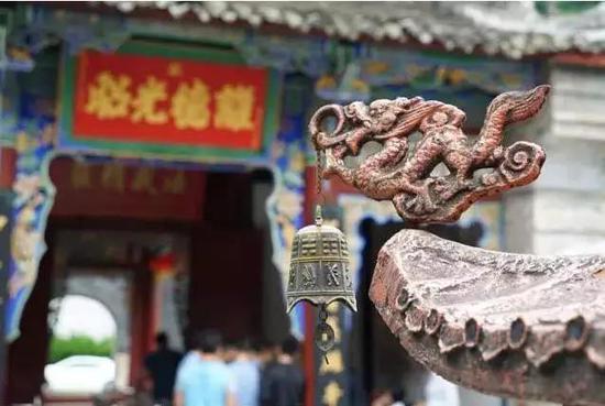 位置:位于距留坝县城17公里处的庙台子街上
