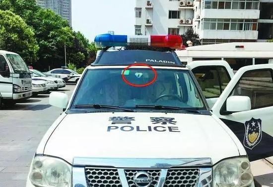 """陜西西安交警""""智慧戰車""""重裝上線 交通違法難逃它的""""眼睛"""""""