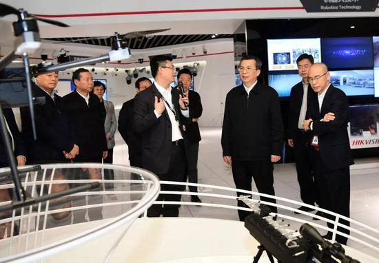 市领导卢凯、聂仲秋、李元、杨广亭参加。