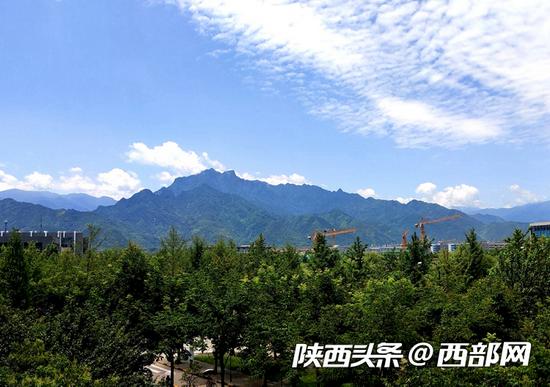 藍天白云,綠水青山。 供圖:@壹者_杰