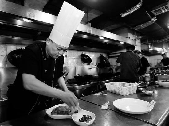 做好每一道菜是李源对自己的要求
