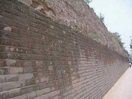 明秦王府城墙遗址