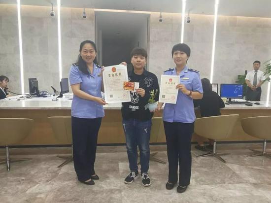 干劲十足 曲江新区政务服务中心试运营第一天就被点赞
