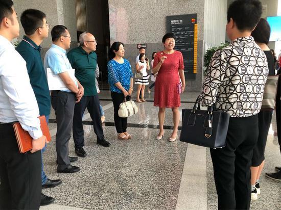 高新区邀请西安市人大代表、政协委员等视察体验高新区政务服