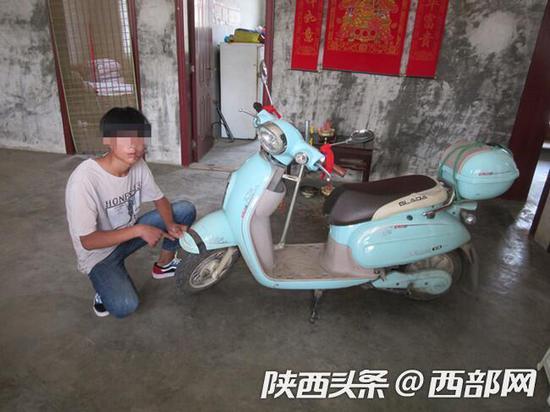 汉中一职高生驾电动车撞死人逃逸,警方30小时缉拿归案。