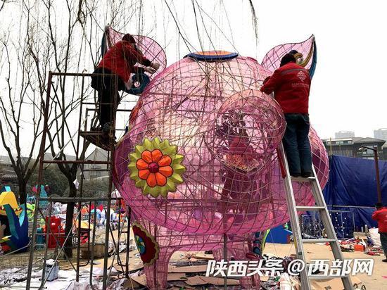 2019年农历春节即将到来,2019大唐芙蓉园新春灯会正在紧锣密鼓的筹备之中。