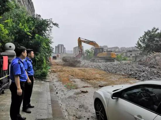 钻石半岛别墅主体违法建设拆除后