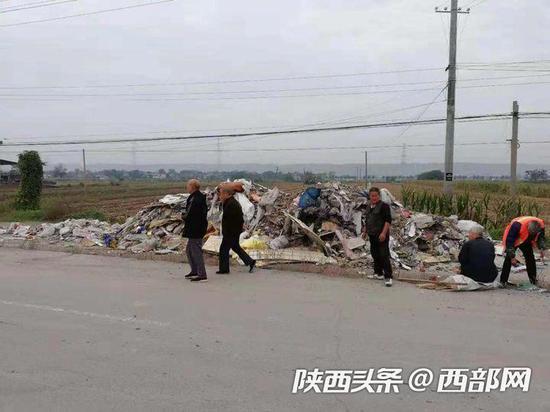 108国道改建工程咸阳段多县区被倒建筑垃圾