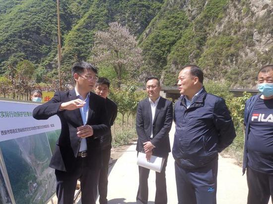 西安市副市长一行调研秦草生态甘岔沟生态修复项目现场工作