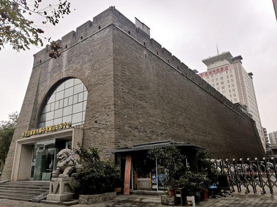 明秦王府城墙遗址(南新街东侧段)