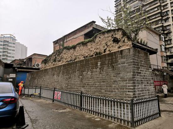明秦王府城墙遗址(皇城大厦南侧段)