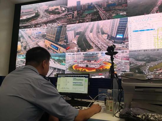 国庆期间,西安交警智能交通信号控制系统统计发挥了大作用!