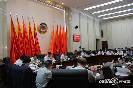 """陕西政协月度协商 关注""""拓展陕货境外市场"""""""