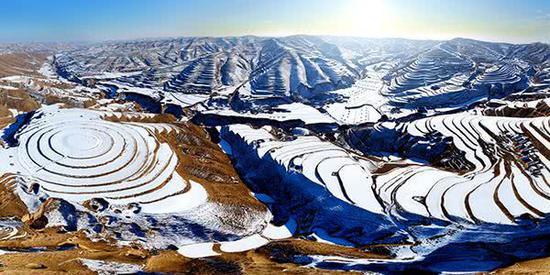 安定梯田雪景