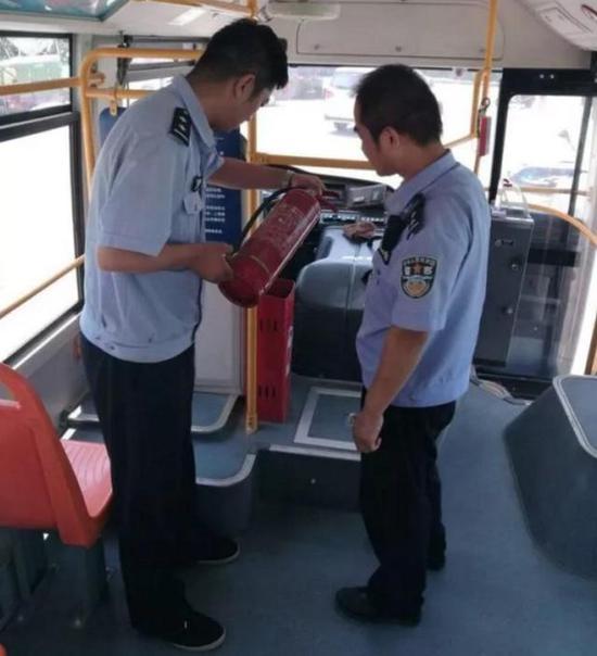 汉阳陵派出所检查景区安全。