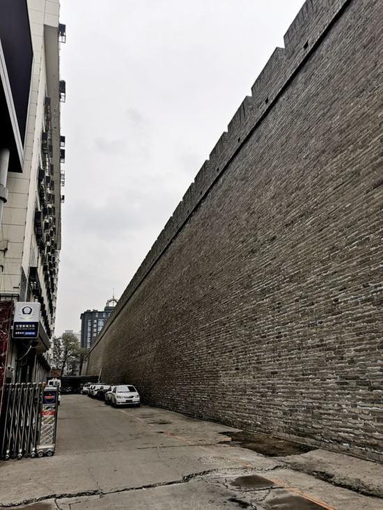 明秦王府城墙遗址(南新街西侧段)