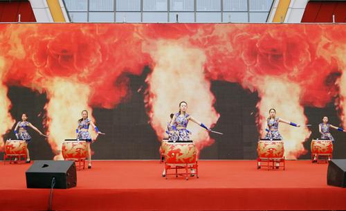 多彩活动年味浓 西安高新丈八街道举办迎新春文艺联欢活动