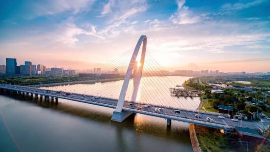 """迎接十四运 浐河之上将再添两座""""高颜值""""大桥"""