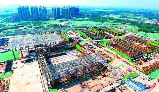 西安丝路国际会展中心施工现场