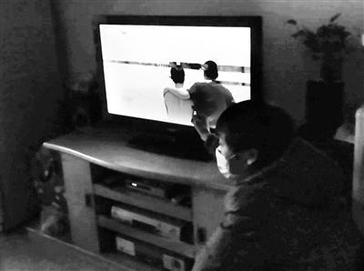 西安市民家中电视出现马赛克修后变得更模糊
