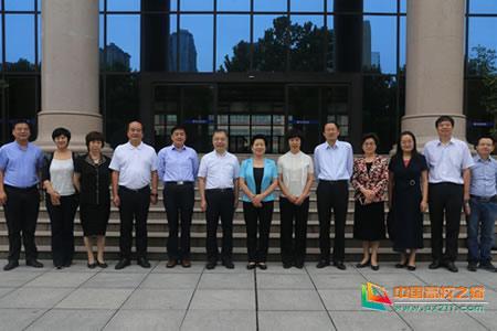 陕西省人大常委会来陕西工业职业技术学院开展高等教育法执法检查