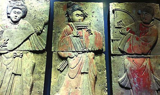 秦始皇帝陵博物院集中展示陶质文物保护成果。 资料图片