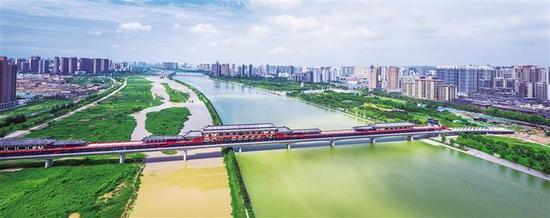 十里花海 百里画廊 陕西1500余名河长活跃在渭河两