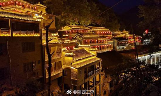 秦头楚尾的安康白河县 藏着一个升级版的重庆洪崖洞