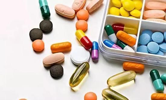 切实缓解人民群众对仿制药的临床用药需求,降低医疗成本和群众用药费用负担。