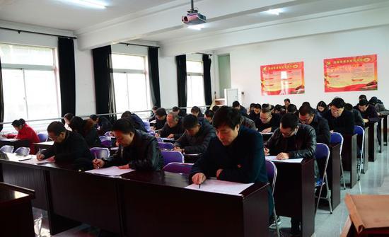 高陵区开展党支部书记主题教育理论知识测试