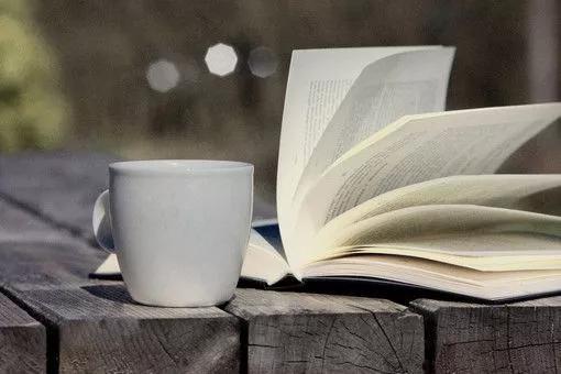 书与咖啡是天然的盟友