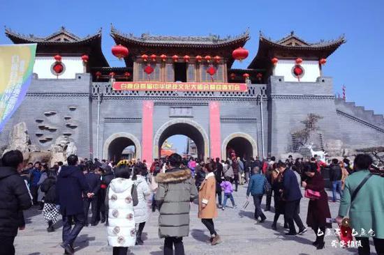 西安年中国年 白鹿仓景区把年味诠释到底