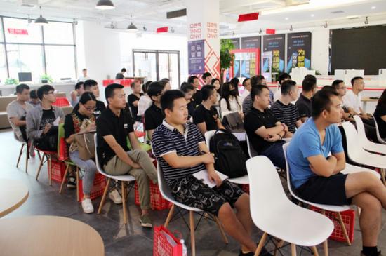 互联网产品运营专题活动举办 助力创业者产品升级