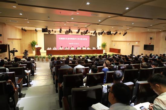 岳华峰:提高政治站位 狠抓问题整治全力提升新区生态环境质量