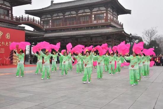 新春文化大拜年 西安市雁塔区锣鼓秧歌闹新春