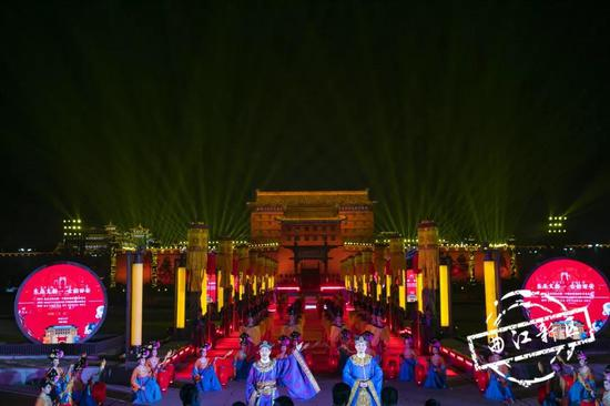 """2019""""东亚文化之都""""中国西安活动年在西安城墙拉开帷幕"""