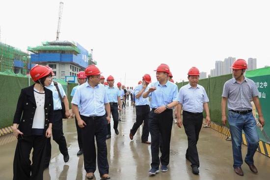 市人大常委会副主任卢凯一行视察经开区在建项目治污减霾工作