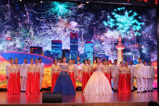 中航富士达科技股份有限公司员工演唱《不忘初心》 摄影 柳洪华