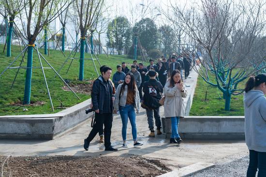 助力十四运 为西安增绿 浐灞生态区举办线上线下全民植树活动