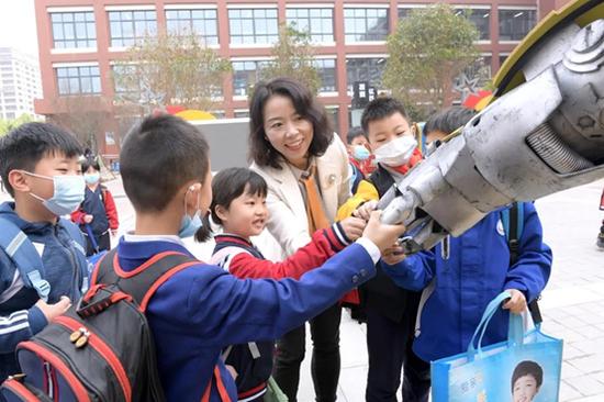 智慧引领教育,西安航天基地掀起校园科技潮